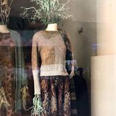 Aujourd'hui, nous avons le plaisir de réouvrir nos boutiques Parisiennes ❤️ : 26 Galerie Vivienne, 2e 16 Rue du Cherche Midi, 6e 134 Rue de la Pompe, 16e #shopping #paris #catherineandre #knitwear #knitdesign #madeinfrance