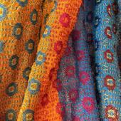 Notre magasin d'usine Rue du Rajol reste ouvert du lundi au samedi de 10h à 12h30 et de 14h à 18h30. #catherineandre #knitwear #scarves
