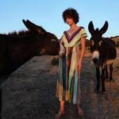 Le thème Aria de la collection Printemps Été 2021 ! #catherineandre #knitwear #corsica #ss21 Photo @manonthewolf Model @annaseraphie